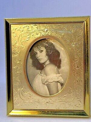 """Vintage! Small Ornate Gold Metal for Oval Pic.~1950's Picture w/Frame ~4.5"""" x 3"""""""