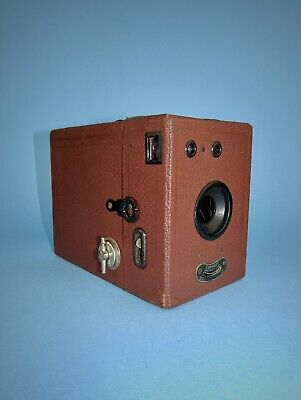 1930s Coronet box camera in excellent condition - brown finish