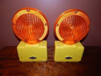 """CORTINA Barricade Lights, Two lights with this sale, LED,7"""",Amber, 03-10-3way-dc"""