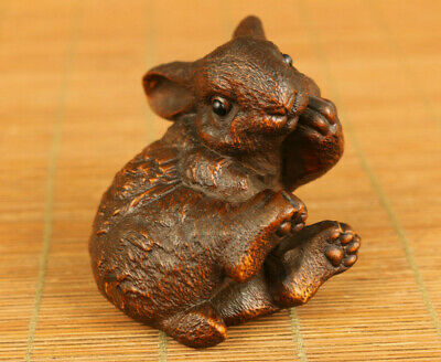 Lovely old boxwood Hand carving rabbit statue figure netsuke hand piece
