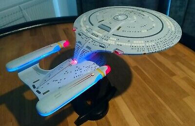 Diamond Select Toys Star Trek USS Enterprise D NCC-1701-D - Rare