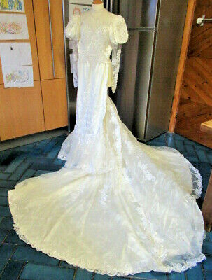 """Vintage Fishtail Wedding Dress  32"""" Bust  Ivory Beaded Bridal Gown Stage Costume"""