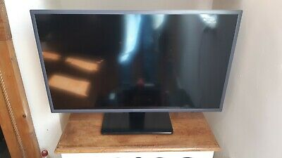 "Samsung 32"" Smart Full HD TV UE32M5520 WiFi Netflix Amazon iPlayer Original Box"