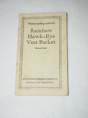 Picture taking with the RAINBOW HAWK-EYE VEST POCKET Single Lens 1930