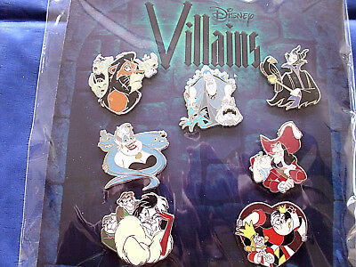 Disney * VILLAINS * New in Package 7 Pin Booster Set