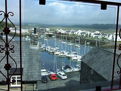 Holiday accommodation, Porthmadog Harbour, North Wales. Fabulous Views. Sleeps 4