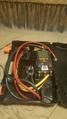 Testo 550 digital manifold with clamps and hoses