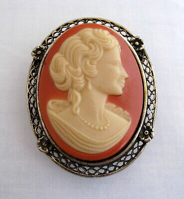 Vintage CAMEO Pin Brooch Woman Antique Silver Tone Metal Frame Pendant