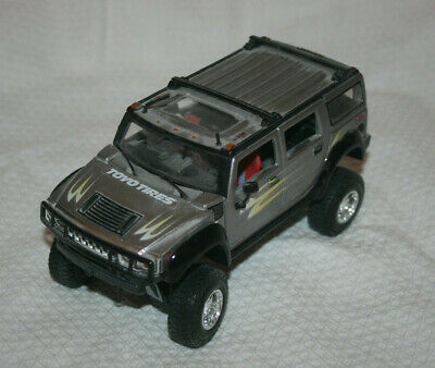 1: 24 SCALE by MAISTO Silver Hummer H2 SUV