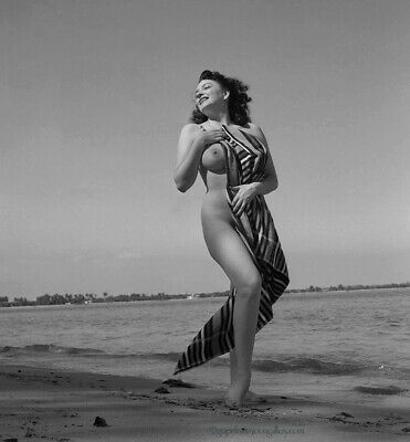 Bunny Yeager 50s Pin-Up Camera Negative Photograph Burlesque Queen Evelyn West