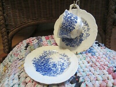 Lovely Vintage Taylor Smith Taylor China Blue Floral One Cup And Two Saucers