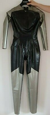 silver-black latex superwoman catsuit w. cape and moulded logo (fetish, BDSM)