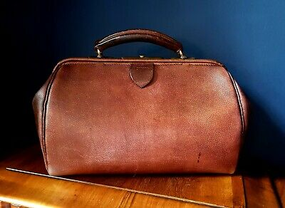 Original antique Edwardian Leather & brass small doctor's / Gladstone bag