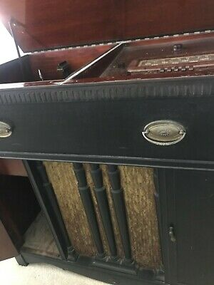 1941 Farnsworth Capehart radio record console antique