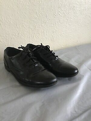 Clarks Black Girls Patent Leather School Shoes Laceup Size: 2F