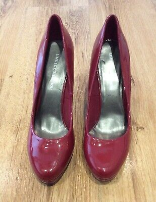 MARKS & SPENCER Red Patent Court Shoes - Size 6.5 - New