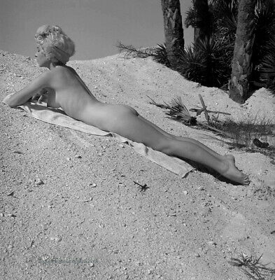 Bunny Yeager Pin-up Camera Negative Photograph Fine Art Nudes In Naples 1959 NR