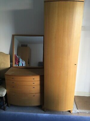 Beautiful solid oak bedroom suite (Swedish design 'Wave'), good condition