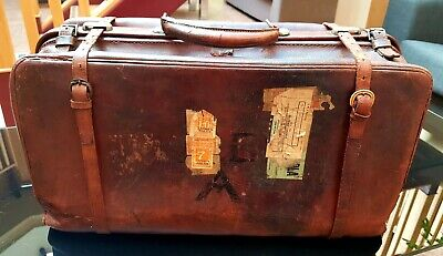 Gladstone Leather case bag by Circa 1920. LARGE double strap