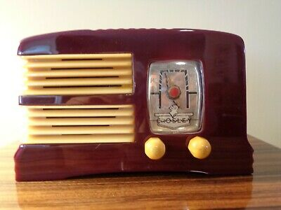 Crosley split grill maroon and yellow catalin radio.Rare,  Beautiful and plays!
