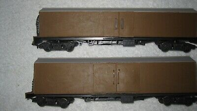 On30  /  2 X BOXCARS /  GOOD COND / BASED ON OO GAUGE COACHES