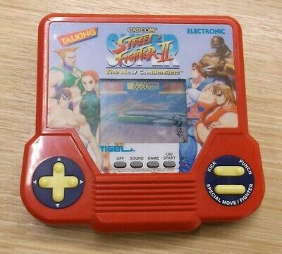 Street Fighter 2 TIGER ELECTRONICS : Handheld LCD Game - VERY RARE!!