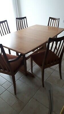 Ercol Dining Room Table and Six Chairs in excellent condition
