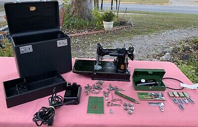 Singer Featherweight Sewing Machine 221 W/Case  & Key Manual Attachments++ 1938