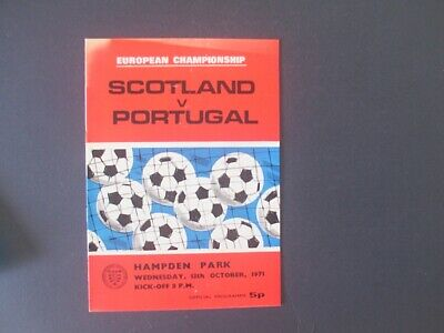 PROGRAMME  SCOTLAND v PORTUGAL  EUROPEAN CHAMPIONSHIP QUALIFIER  13th OCT 1971