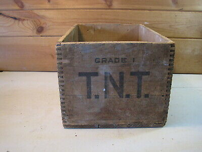 Vintage 1941 Government Explosives High Explosives Dynamite Box Crate B0995