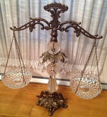 Vintage Mid Century Hollywood Regency Crystal Lucite Scales Of Justice