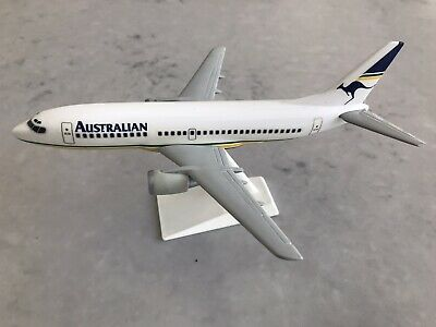 Australian Airlines 1/200 scale Boeing 737-300 model by Scalecraft