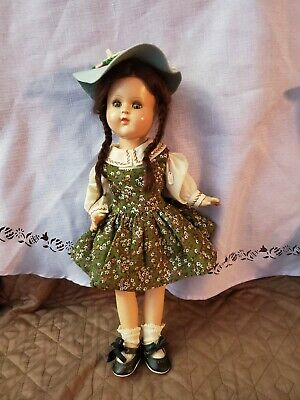 Vintage composition Wizzard Of Oz Dorthy Doll