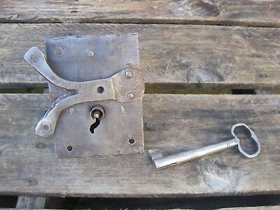 Antique Hand Forged Iron Door Lock And Key - Barn Gate Castle B9732