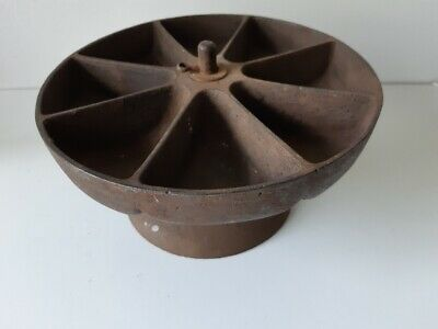 Antique Rotating Cast Iron cobbler's  Nail Tray