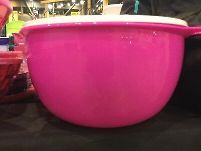 NEW TUPPERWARE THATSA MEGA BOWL Electric Neon PINK + White seal 42 cups / 10L