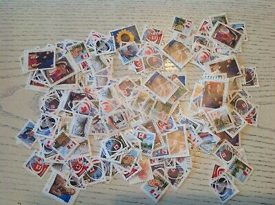 Mix Of 1000 permanent canada Stamps, Used And Off Paper