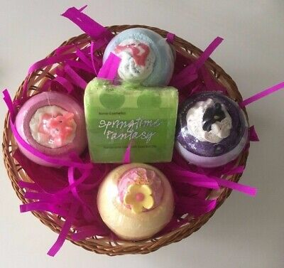 BRAND NEW WICKER BASKET PAMPER PACK from BOMB COSMETICS