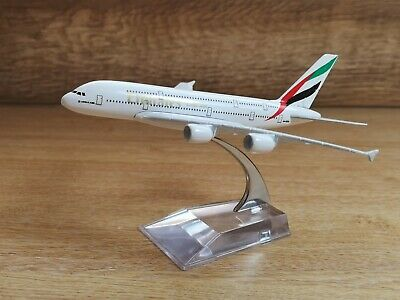 Emirates A380 Airbus Airlines Die Cast Metal Desk Aircraft Plane Model