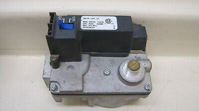 Carrier Bryant Payne White Rodgers 36F24-209 EF32CW203 Furnace Gas Valve Used