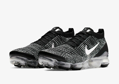 Men's Nike Air Vapormax Flyknit 3.0 SZ 8.5 Black White Silver AJ6900-002