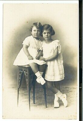 ANTIQUE PHOTO - Beautiful Little Girls, Sisters  -  Old Photo Greece (c.1920's)