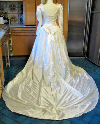"""Vintage Wedding Dress Designer Cupid Ivory Long Sleeves With A Train 14 36"""" Bust"""
