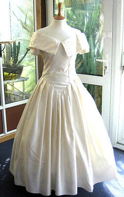 """Vintage Wedding Dress Ivory 1950S  Style 10 12 34"""" Bust 27"""" Waist Ball Gown"""