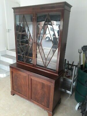 Stunning Victorian mahogany glazed bookcase/display cabinet.