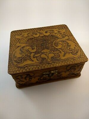 Vintage Flemish Art Co. Pyrography Carved Wooden Jewelry/Trinket Box