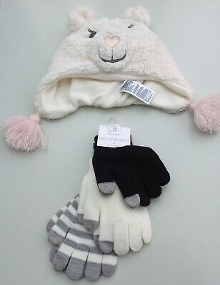 Girls hat and gloves set age 4-5 years