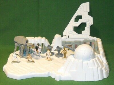 1994 Micro Machines Star Wars Hoth Playset Han Solo Luke Leia C-3PO AT-AT Empire