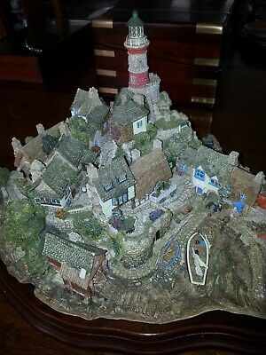 Collectable Very Rare 1997 Lilliput Lane 'Out of the Storm' Limited Edition