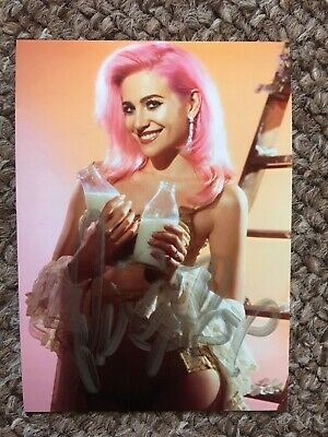 Pixie Lott Hand Signed Original Autograph Photo *OFFERS WELCOME*